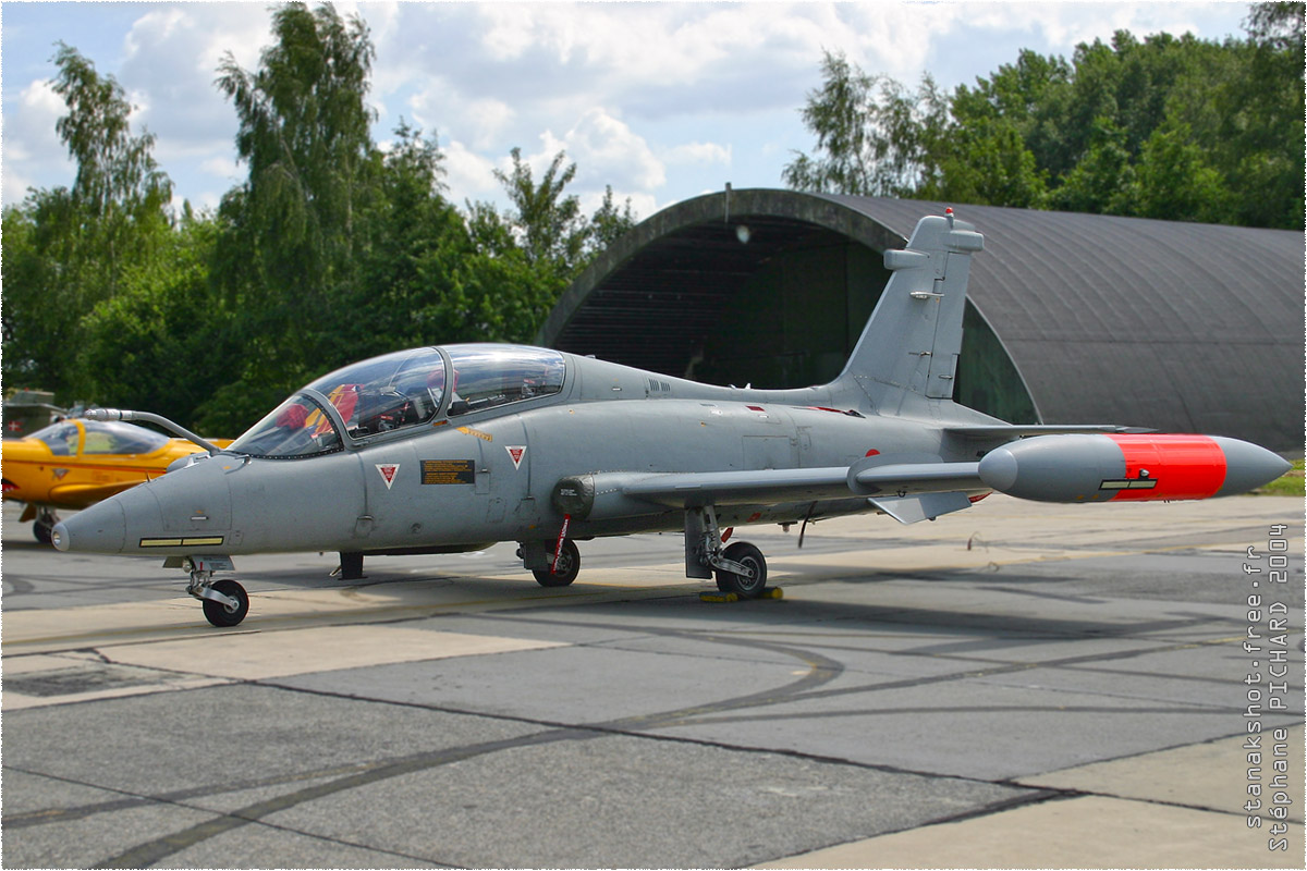 tof#167 MB-339 de la Force aérienne italienne au statique à Beauvechain (BEL) en 2004