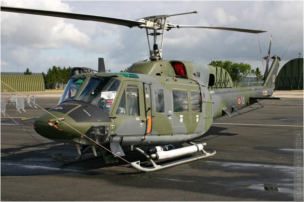 tof#655 Bell 212 de la Force aérienne italienne au statique à Reims (FRA) lors du MNA 2004