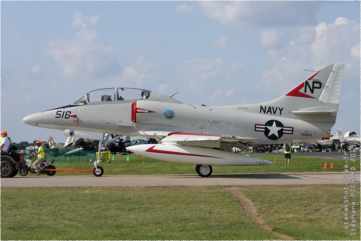 tof#689 A-4 enregistré aux USA au statique à Oshkosh (WI, USA) en 2019