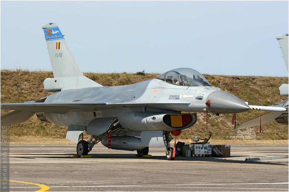 tof#828 F-16 de la Force aérienne belge au statique à Cazaux (France) lors du Meeting National de l'Air 2005