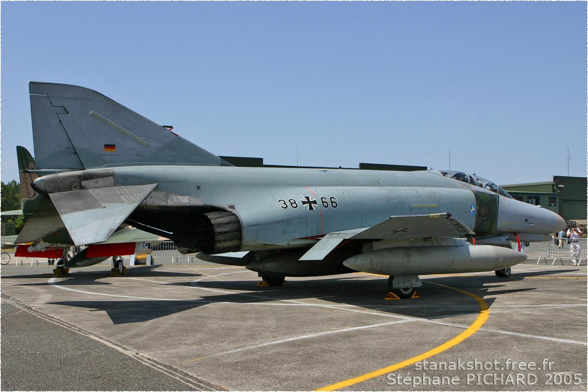 tof#829 F-4 de la Luftwaffe au statique à Cazaux (France) lors du Meeting National de l'Air 2005