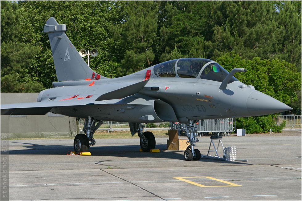 tof#907 Rafale de l'Armée de l'Air française au statique à Cazaux (France) lors du Meeting National de l'Air 2005
