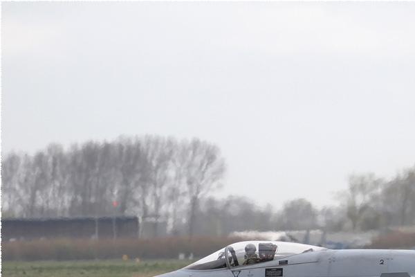 Photo#143-1-McDonnell Douglas EF-18A Hornet