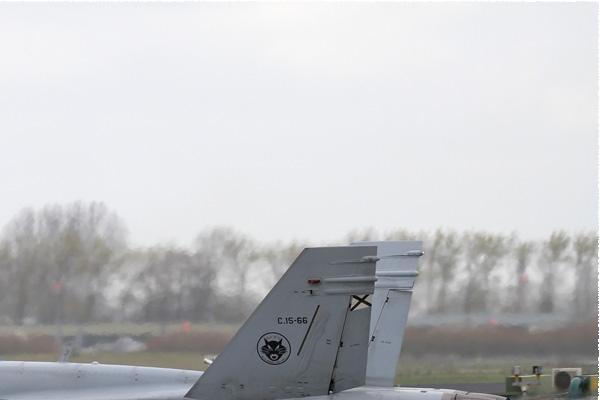 Photo#143-2-McDonnell Douglas EF-18A Hornet