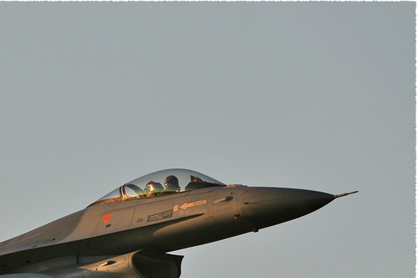 Photo#158-2-General Dynamics F-16AM Fighting Falcon