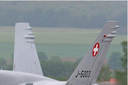 Photo#564-2-McDonnell Douglas F/A-18C Hornet