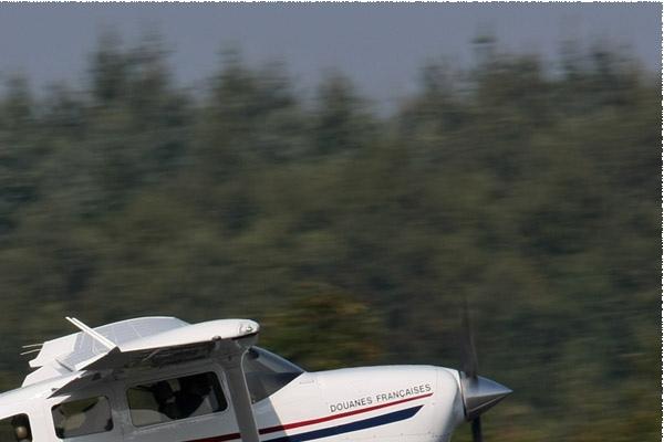 Photo#86-2-Cessna T206H Turbo Stationair