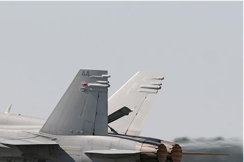 Photo#940-2-McDonnell Douglas F-18C Hornet