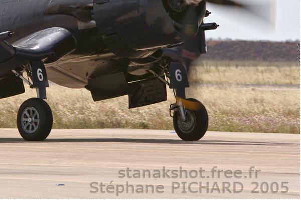 Photo#22-4-Chance Vought F4U-7 Corsair