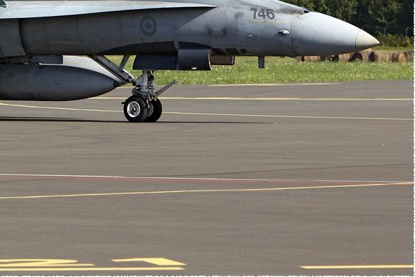 Photo#827-4-McDonnell Douglas CF-188 Hornet