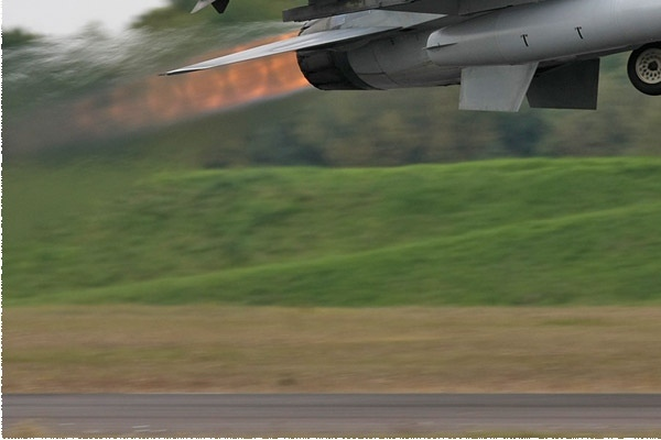 Photo#135-3-General Dynamics F-16AM Fighting Falcon