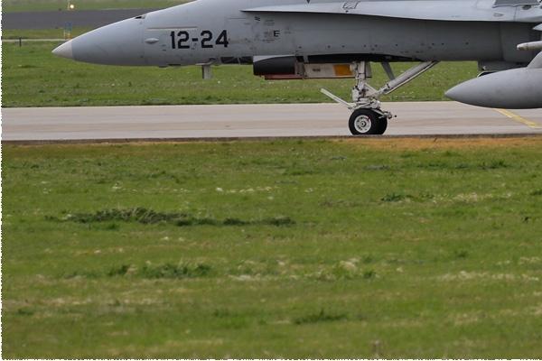 Photo#143-3-McDonnell Douglas EF-18A Hornet