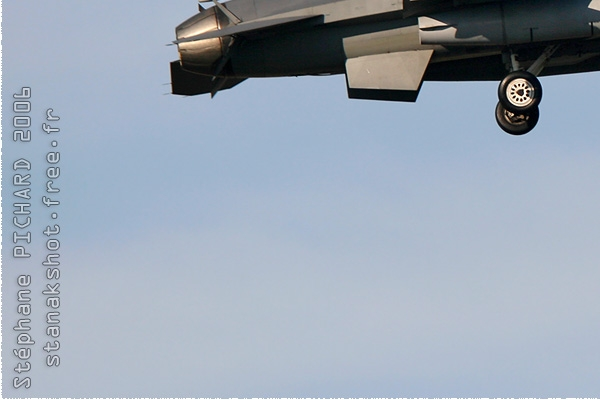 Photo#308-3-General Dynamics F-16C Night Falcon