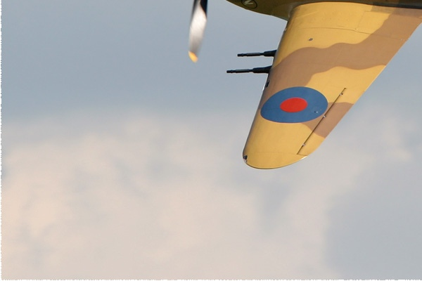 Photo#350-3-Hawker Hurricane IV