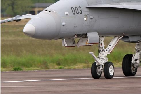 Photo#564-3-McDonnell Douglas F/A-18C Hornet