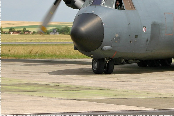 606d-Transall-C-160R-France-air-force