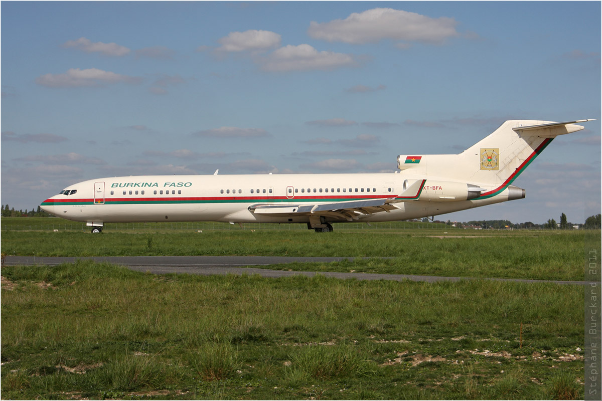 tof#1320 B727 du gouvernement burkinabé au roulage au Bourget (France) en 2011