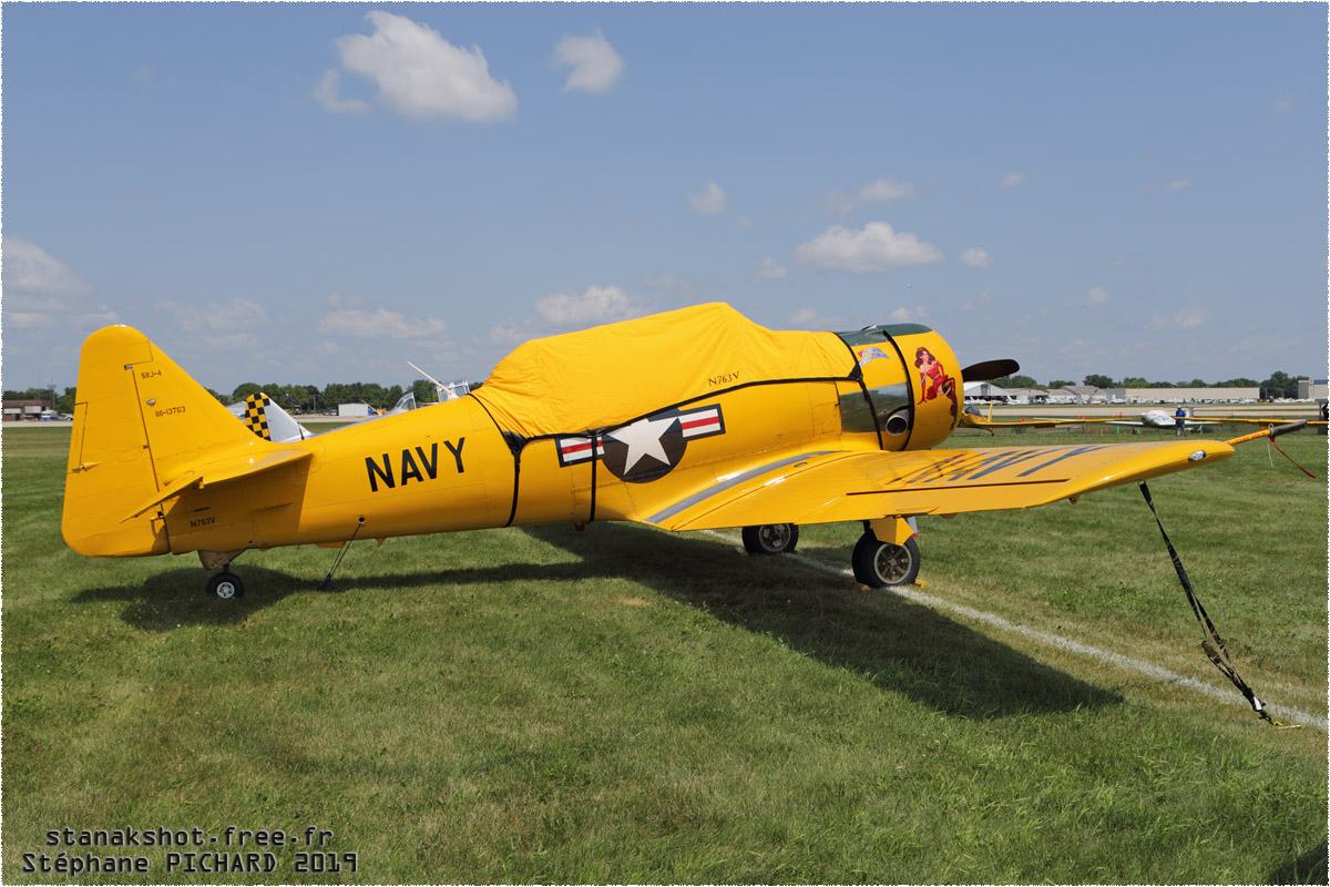 tof#1396 T-6 enregistré aux USA au statique à Oshkosh (WI, USA) en 2019
