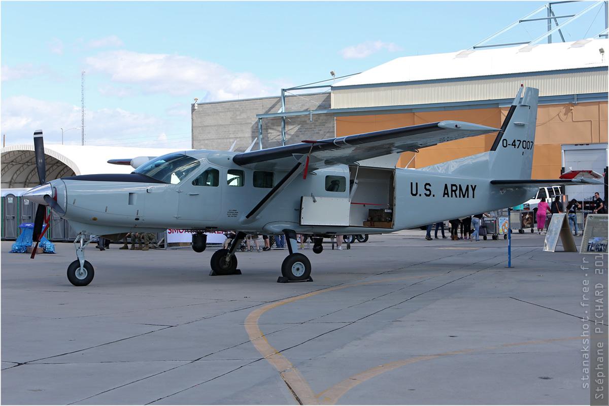 tof#1424 Caravan de l'Armée de terre américaine au statique à Yuma (AZ, USA) en 2013