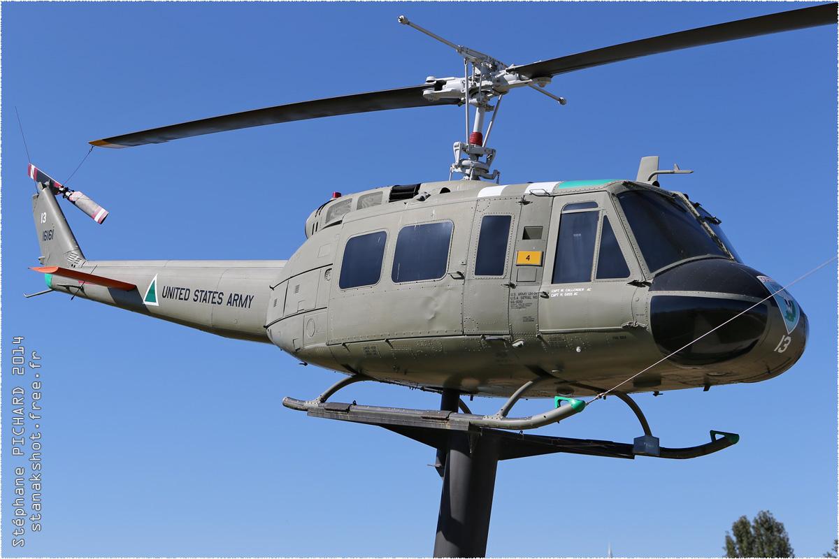 tof#1667 Bell 205 enregistré aux USA au statique à Battleship Memorial Park, Mobile ()
