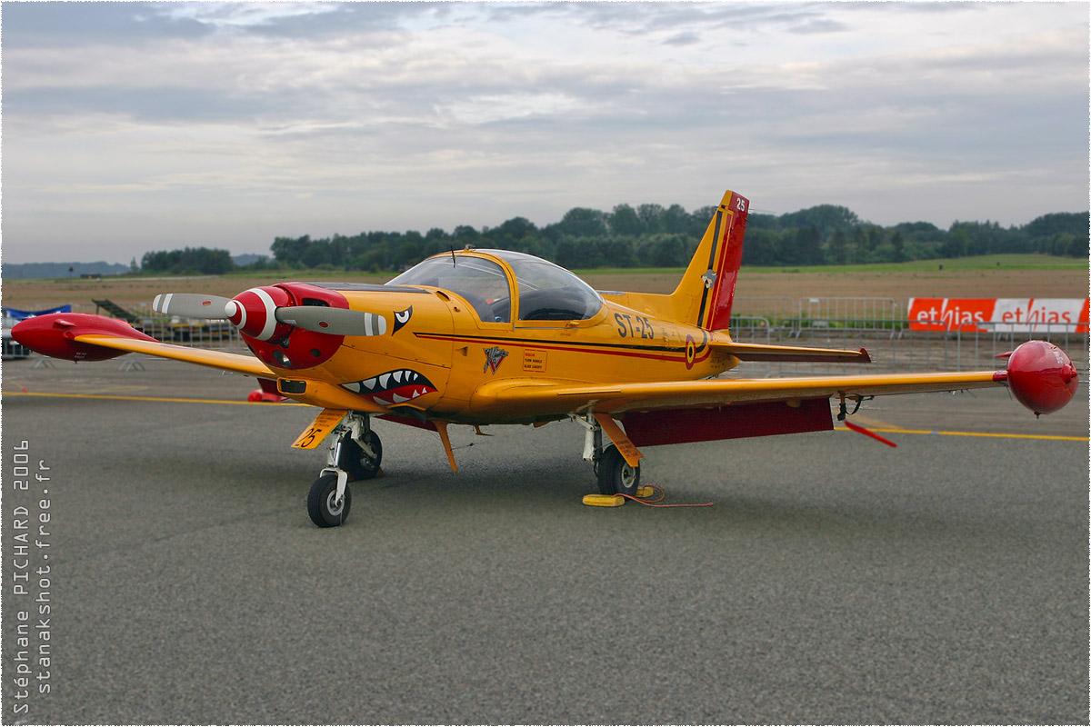 tof#1744 SF.260 de la Force aérienne belge au statique à Beauvechain (BEL) en 2006