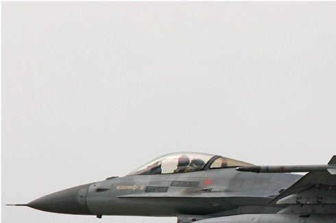 Photo#1042-1-General Dynamics F-16AM Fighting Falcon