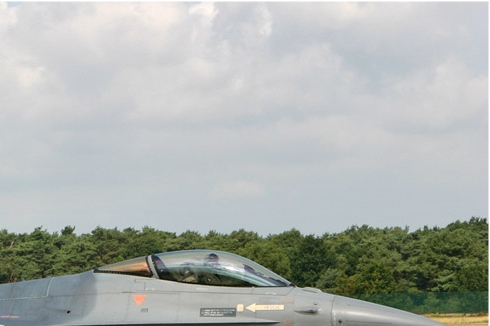 Photo#1068-2-General Dynamics F-16AM Fighting Falcon