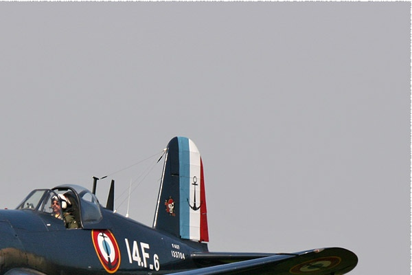 1302b-Chance-Vought-F4U-7-Corsair-France