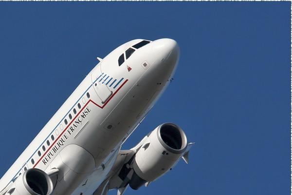 Photo#1856-2-Airbus A319-100 CJ
