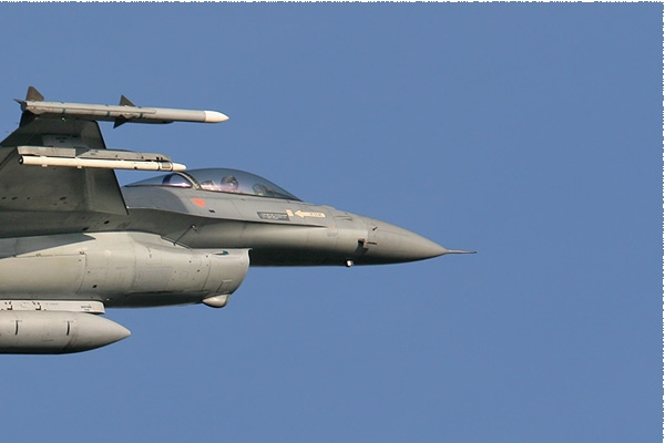 Photo#1884-2-General Dynamics F-16AM Fighting Falcon