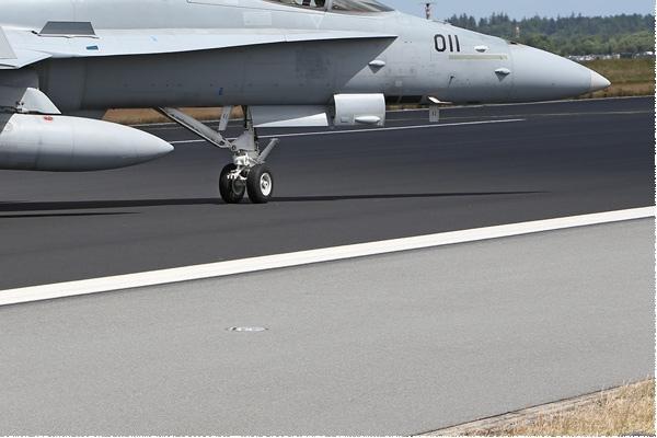 Photo#1165-4-McDonnell Douglas F/A-18C Hornet