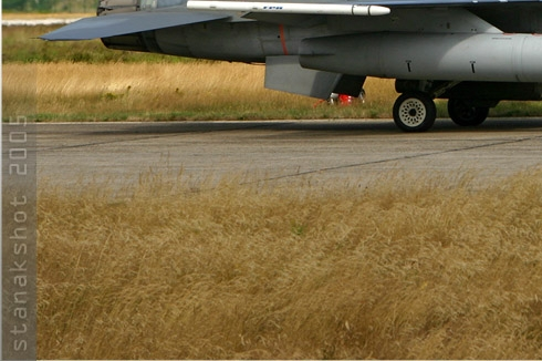 Photo#1068-3-General Dynamics F-16AM Fighting Falcon