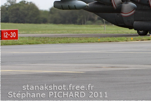 Diapo1359 Lockheed KCC-130H Hercules 130340, Deauville (FRA) 2011