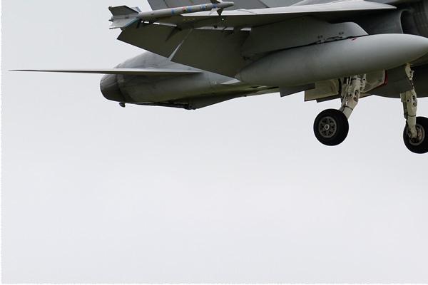 Photo#1525-3-McDonnell Douglas F-18C Hornet