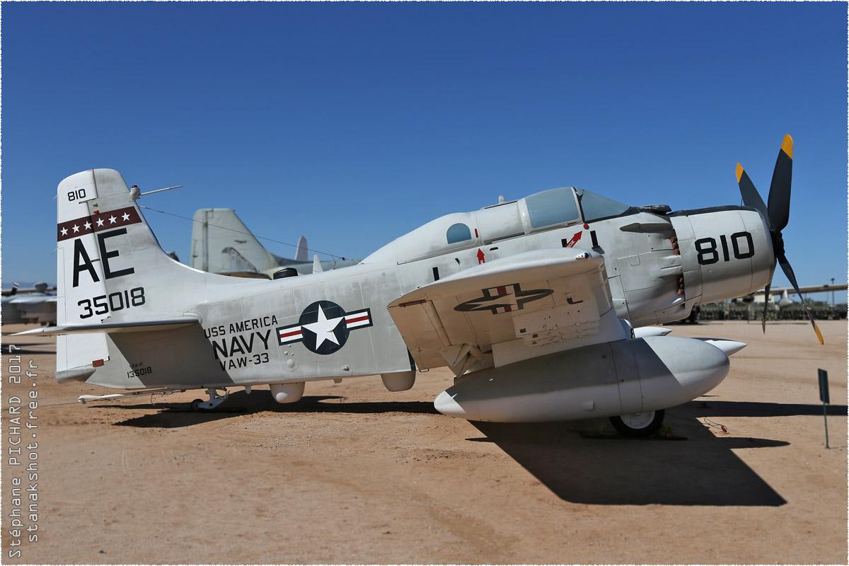 tof#10107_Skyraider_de la Marine américaine