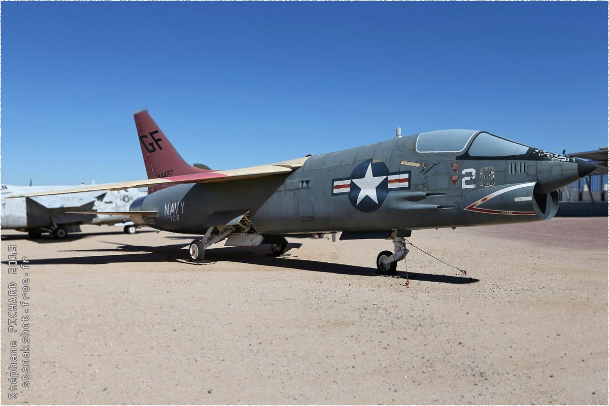 tof#10112 Crusader de la Marine américaine au statique à Pima Air & Space Museum, Tucson ()