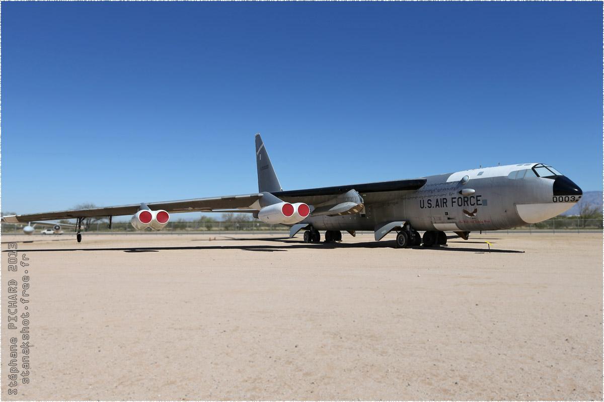 tof#10146 B-52 de l'US Air Force au statique à Davis-Monthan (AZ, USA) en 2013 Pima