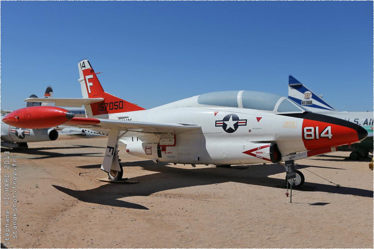 tof#10156_T-2_de la Marine américaine