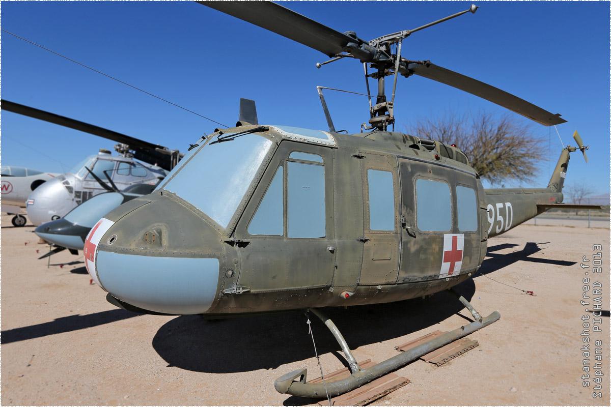 tof#10168 Bell 205 de l'Armée de terre américaine au statique à Pima Air & Space Museum, Tucson ()