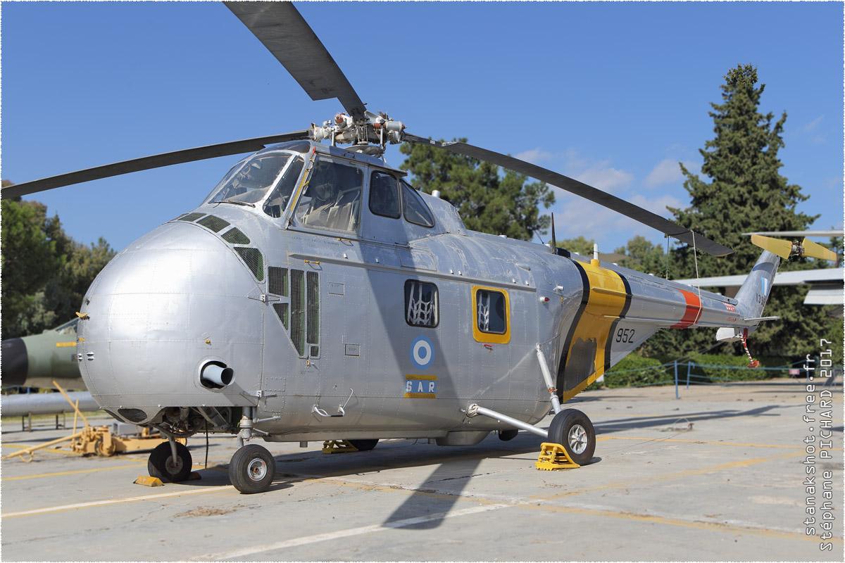 tof#10260_H-19_de la Force aérienne grecque