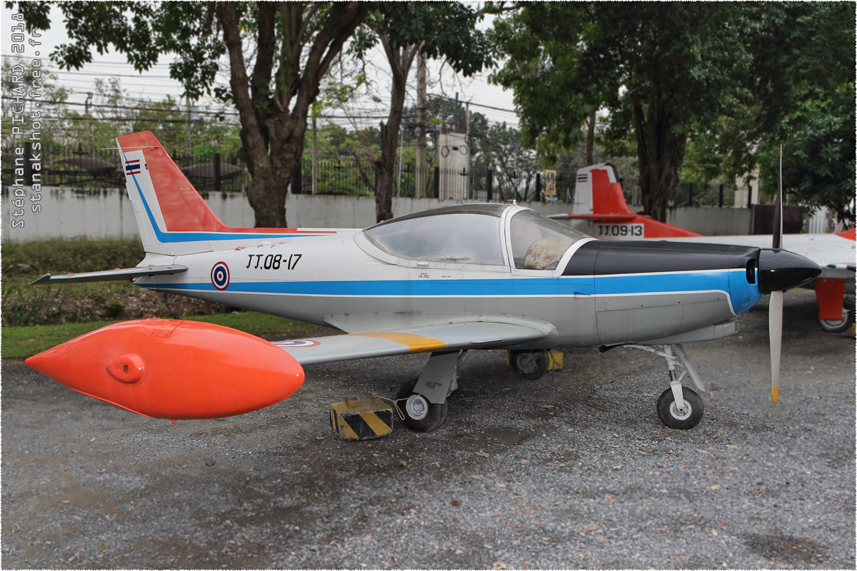 tof#10457 SF.260 de la Force aérienne royale thaïlandaise au statique à Bangkok (THA) en 2018