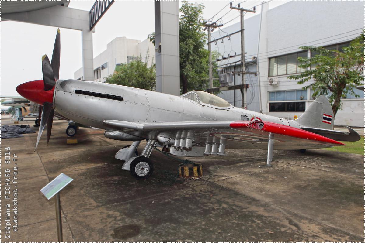 tof#10460 Spitfire de la Force aérienne royale thaïlandaise au statique à Bangkok (THA) en 2018