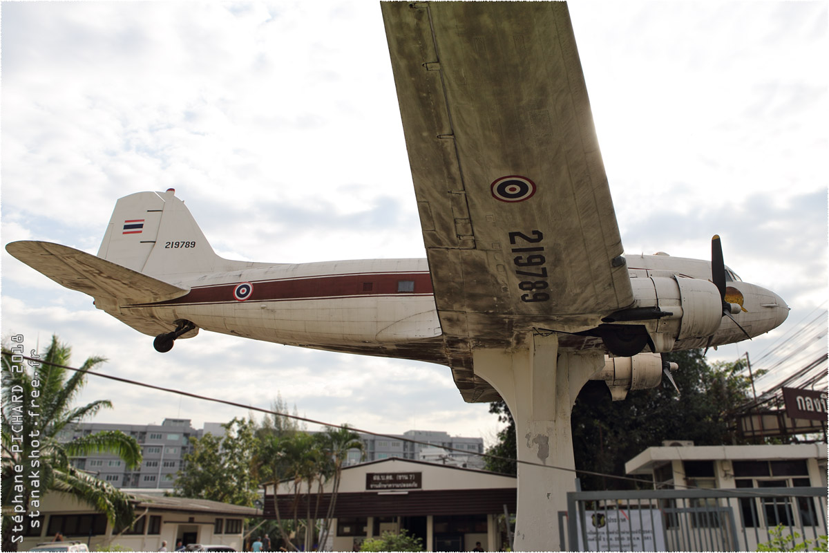 tof#10485 DC-3 de la Police royale thaïlandaise au statique à Bangkok-Tha Raeng (THA) en 2018