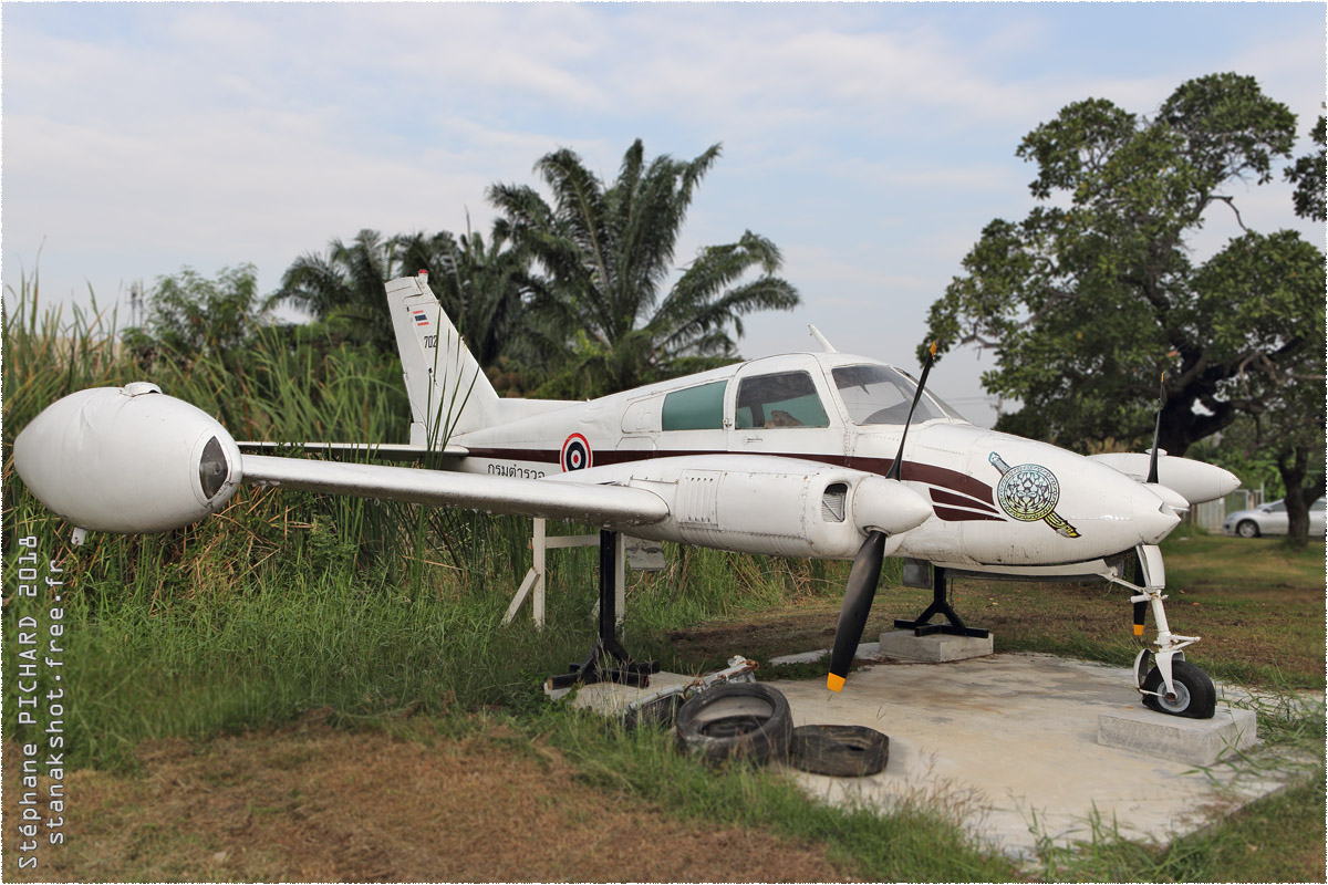 tof#10486 Cessna 310 de la Police royale thaïlandaise au statique à Bangkok-Tha Raeng (THA) en 2018