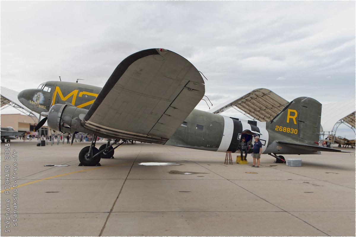 tof#10554 DC-3 enregistré aux USA au statique à El Centro (CA, USA) en 2018