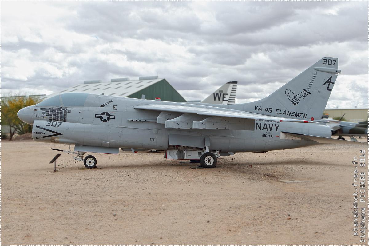 tof#10590_A-7_de la Marine américaine