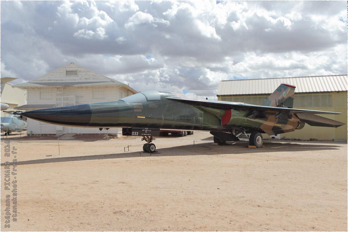 tof#10630 F-111 de l'US Air Force au statique à Davis-Monthan (AZ, USA) en 2018 Pima