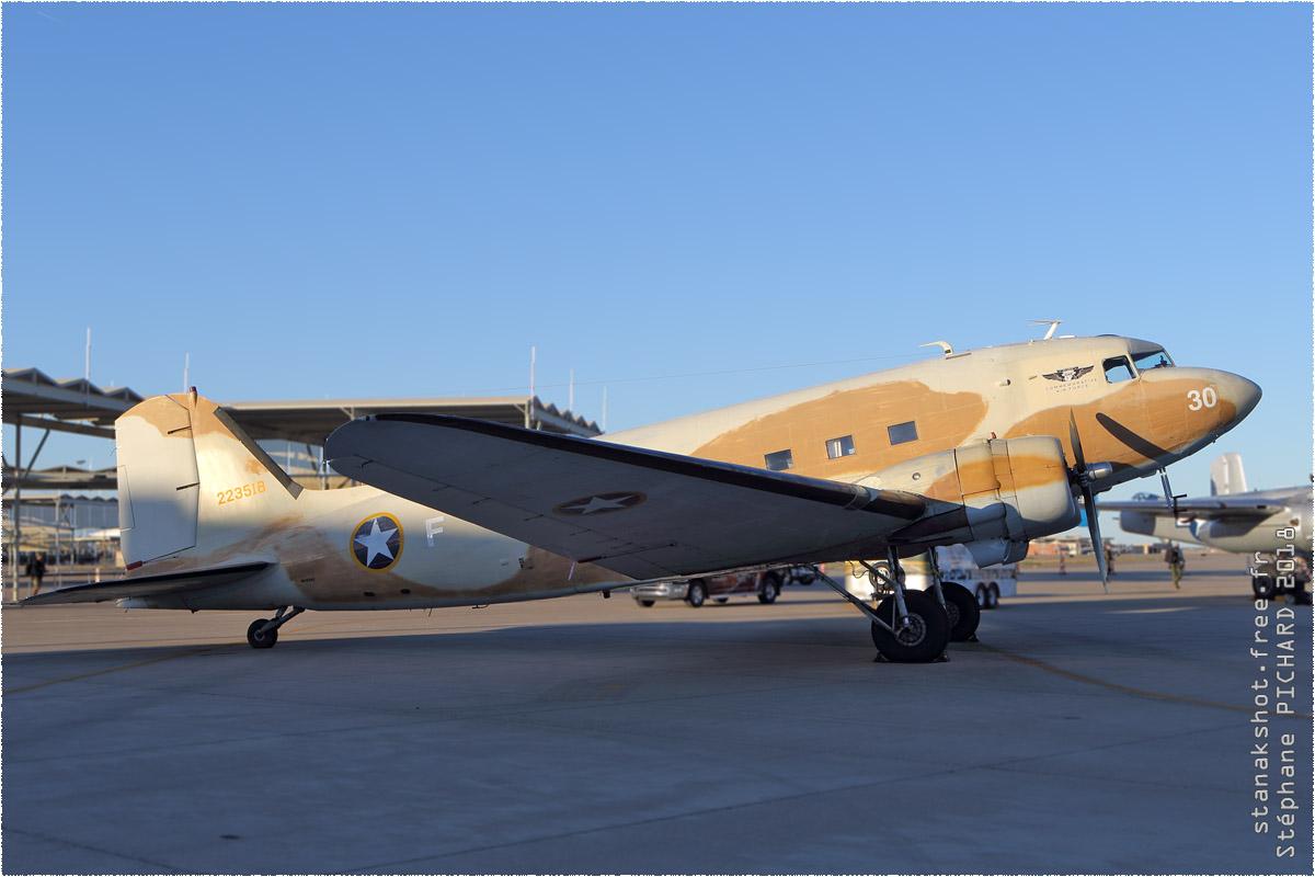 tof#10886 DC-3 enregistré aux USA au statique à Luke (AZ, USA) en 2018