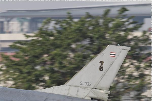 Photo#10516-2-General Dynamics F-16B Fighting Falcon