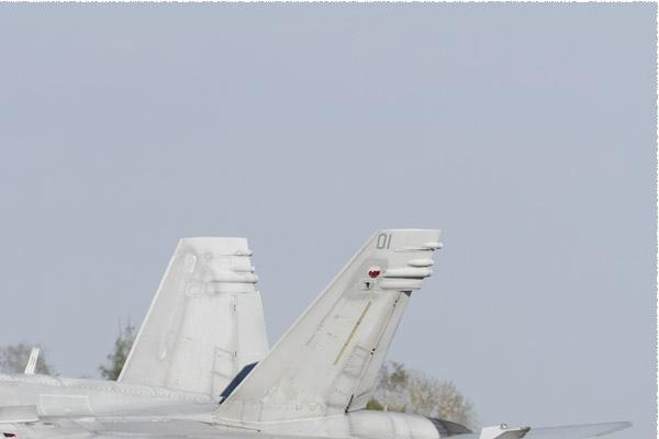 Photo#10987-2-McDonnell Douglas F-18C Hornet